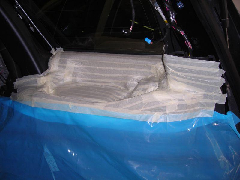 Начало изготовления сабвуфера Stealth (стелс) Первым этапом идет вылепливание нижней подложки из стеклопластика