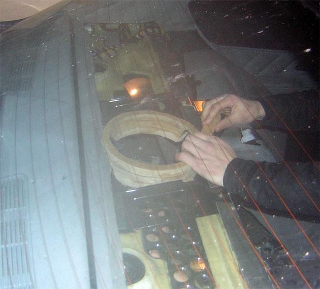 Прикрутили проставочные кольца из 18 мм фанеры.