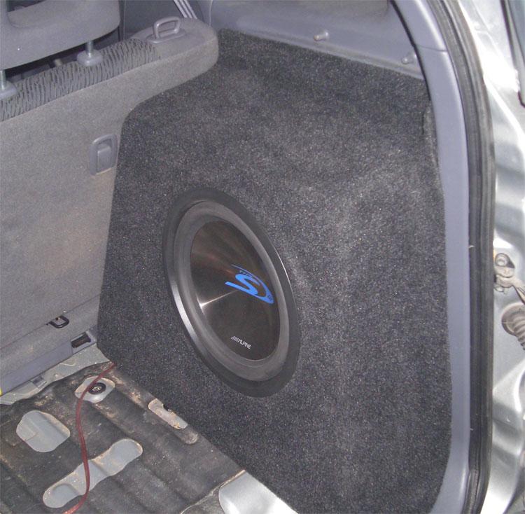 Сабвуфер в заднее крыло Тойота РАВ 4 (Toyota RAV4) - Auto TOP Sound - лучший автозвук для вашего авто
